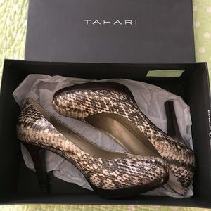 Tahari Natural Exotic Ta-Lonnie Heels faux